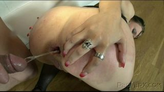 Pregnant czech whore fucking on the private room