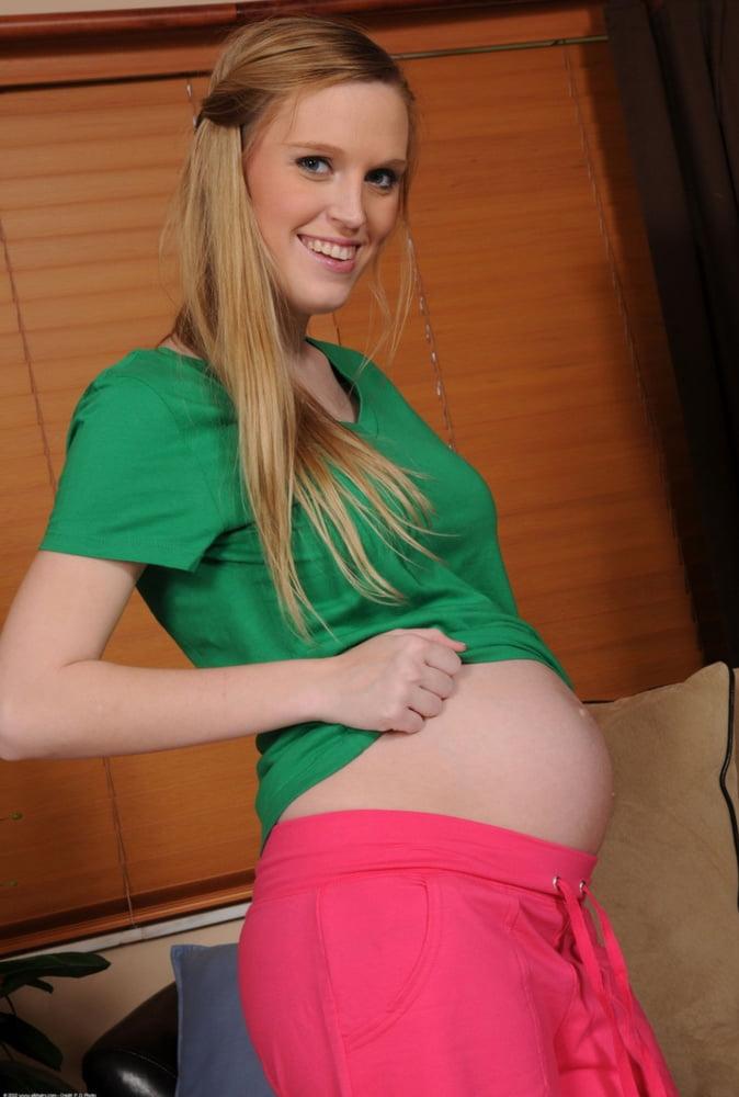 Pregnant Amanda Bryant