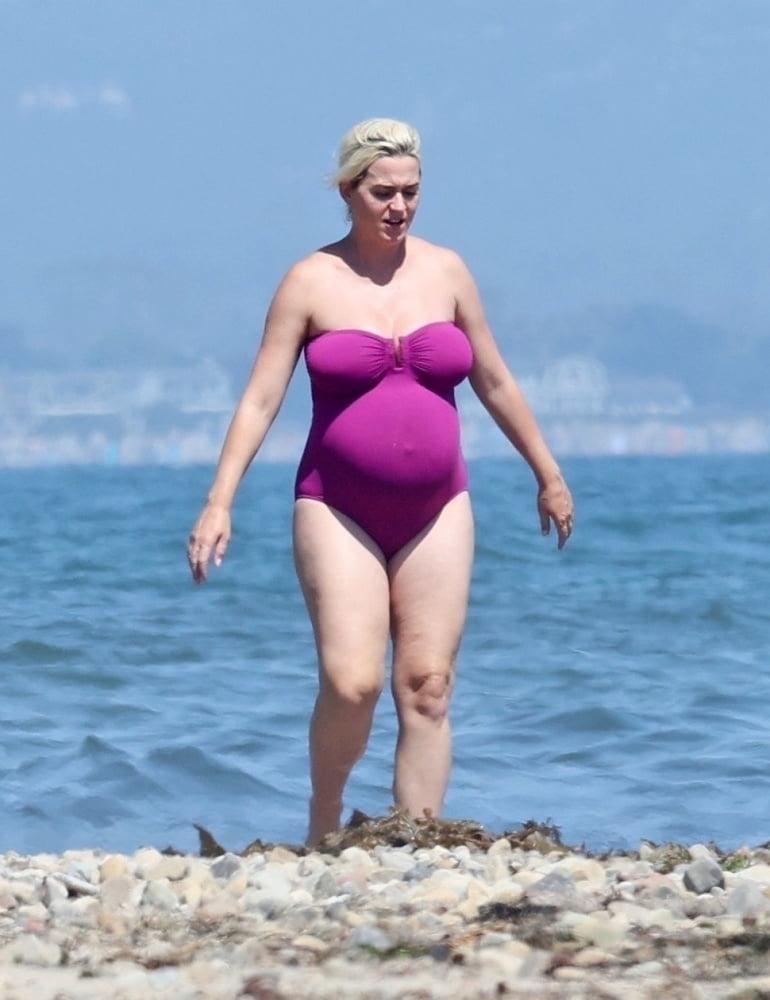 Pregnant Katy Perry